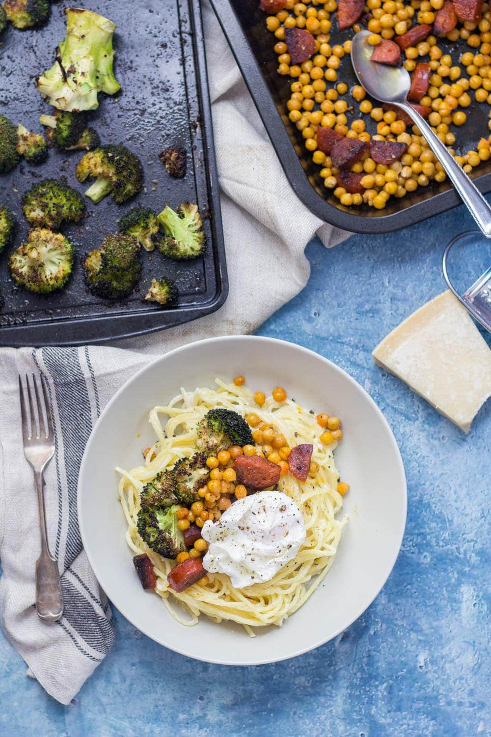This garlic pasta is a simple weeknight meal packed with garlicky flavour and topped with delicious roasted broccoli, crispy chickpeas and chorizo. Finished with a poached egg.