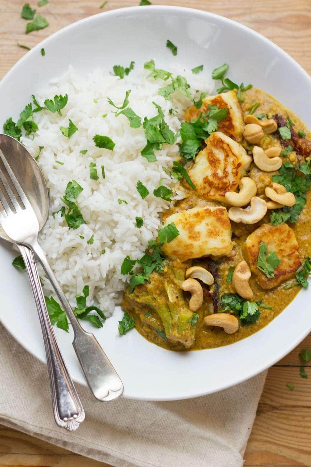 Cashew Nut Curry with Halloumi and Broccoli • The Cook Report