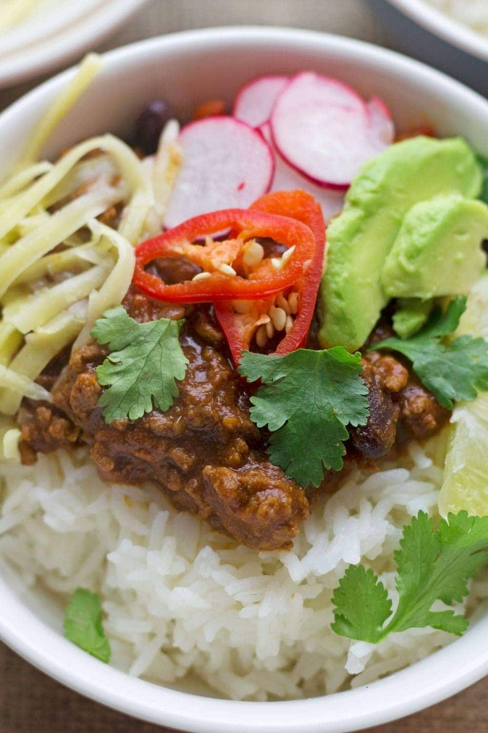 Classic beef chilli con carne with toppings