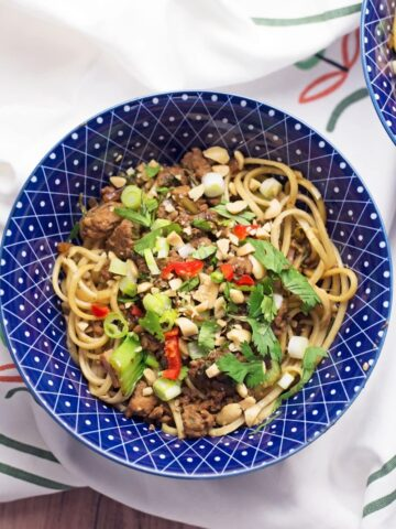 These spicy pork mince noodles are your next easy weeknight recipe! Have dinner on the table in less than half an hour and serve a meal with a kick.