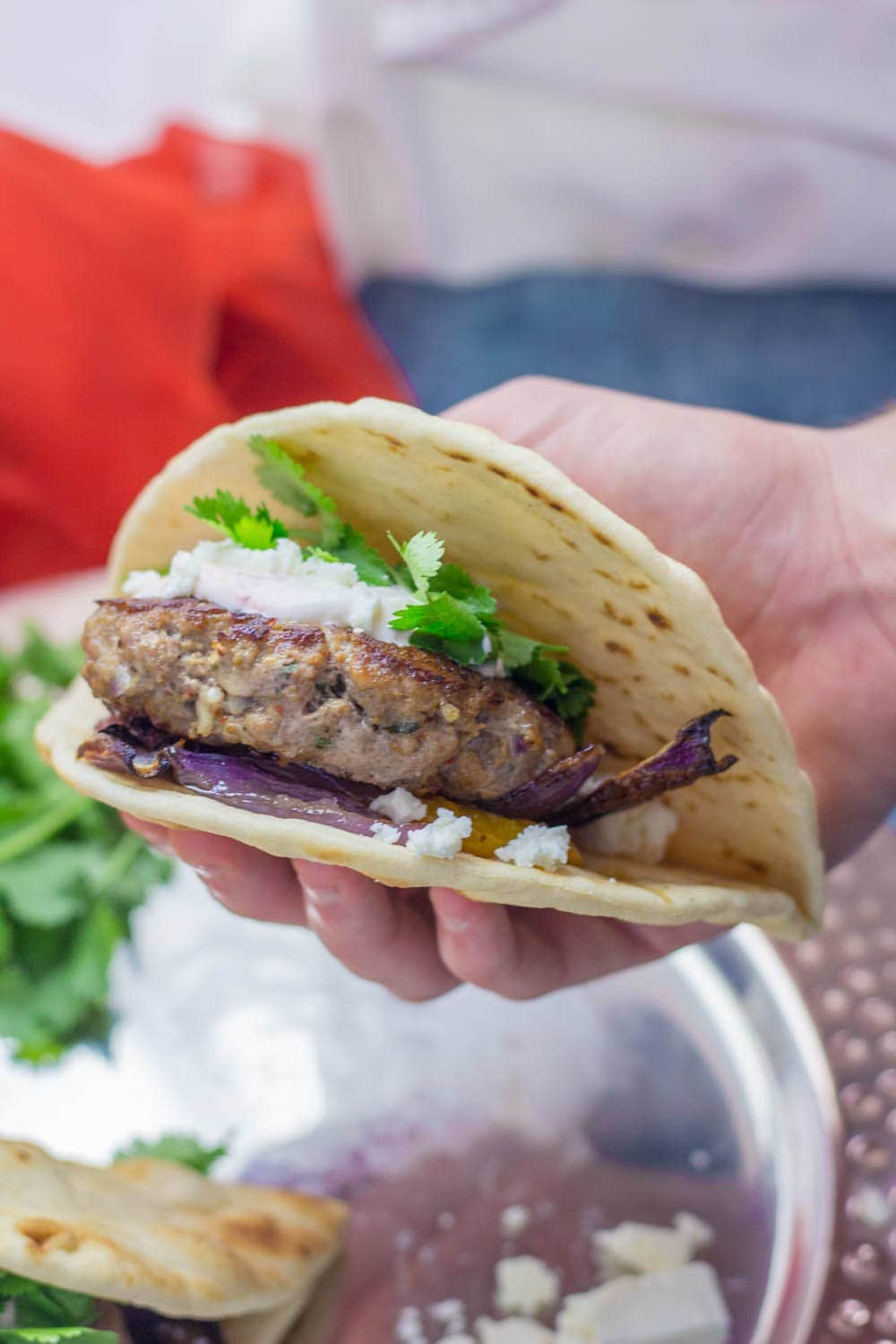 If you need a quick weeknight dinner that's guaranteed to impress then this Moroccan lamb burger flatbread recipe is what you need! #lamb #burger #dinner #recipe