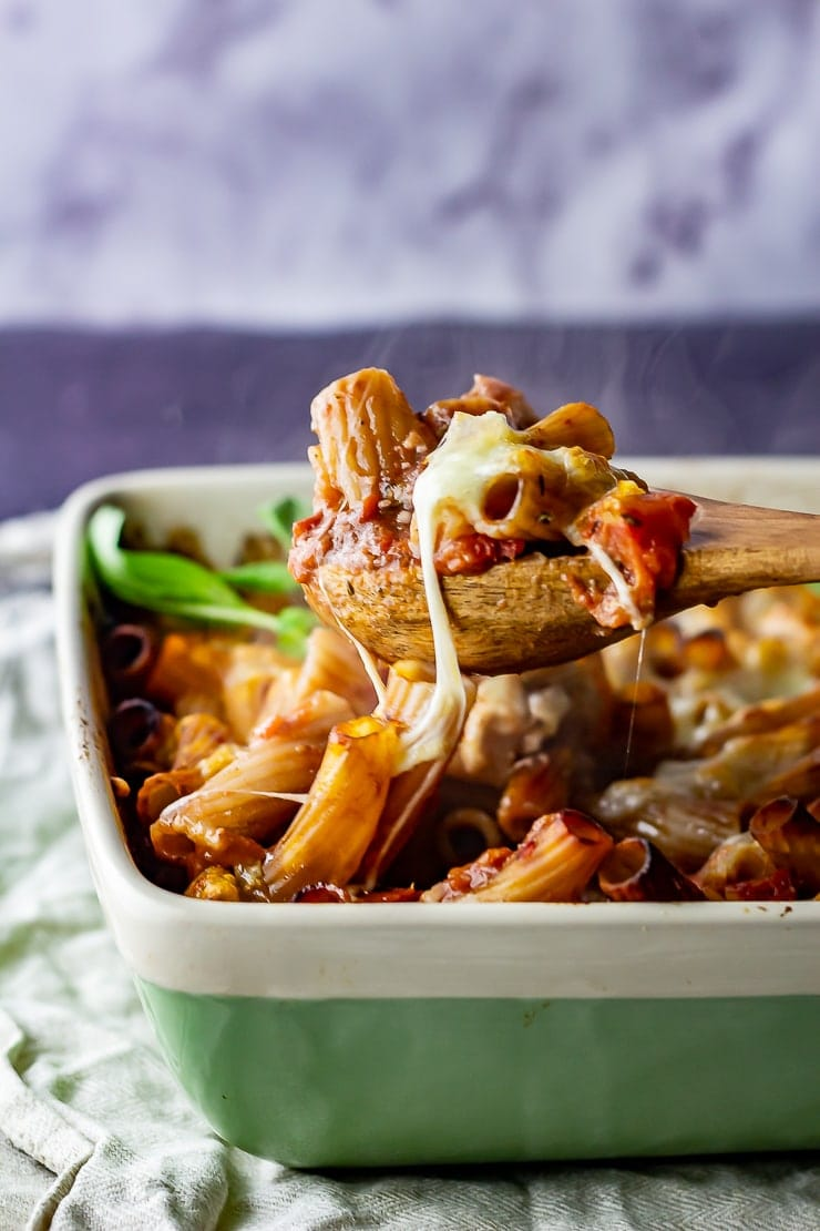 One Pot Cheese and Tomato Pasta Bake • The Cook Report