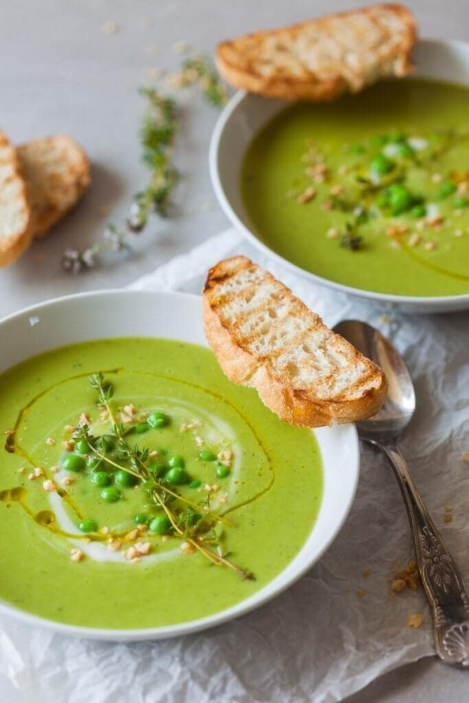20 Minute Dinners: 5 Ingredient Green Vegan Pea Soup