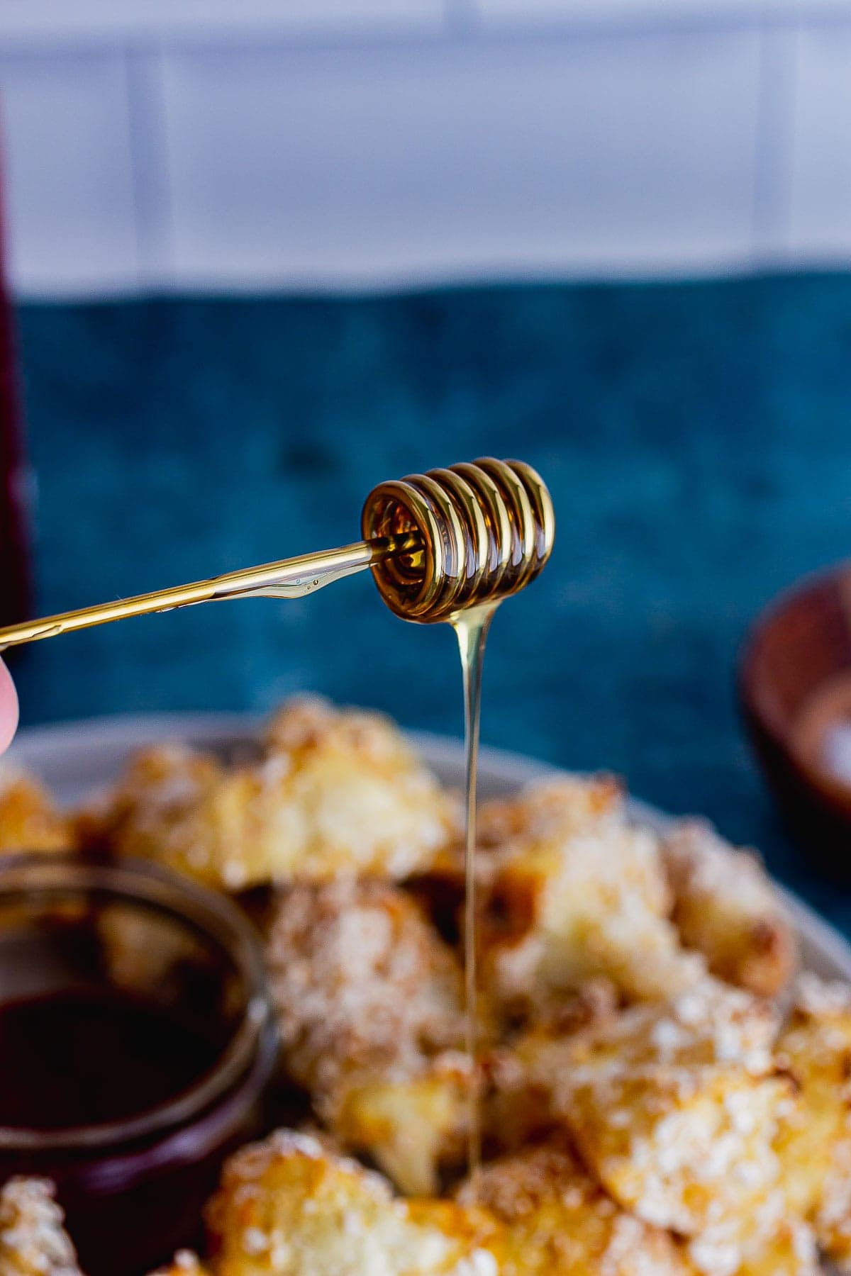 Honey on a honey drizzler